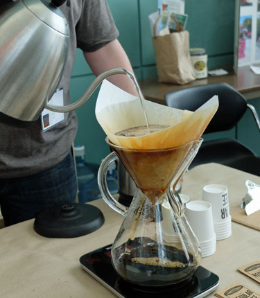 hands on chemex coffee brewer