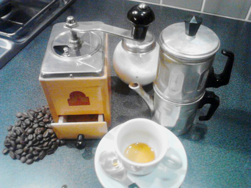 Neapolitan coffee brewer.
