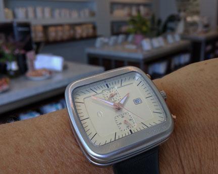 Brew Watch in a coffee shop.