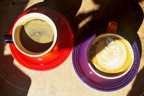Red and purple coffee cups.